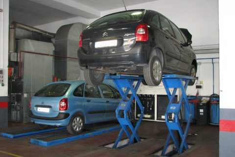 Automobile Repair Service Shop in Los Angeles